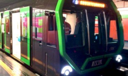 Forti rallentamenti alla Metro 2: ingressi scaglionati