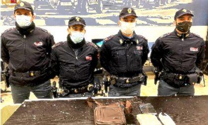 Nasconde oltre mezzo chilo di cocaina in borsa: arrestato spacciatore in metro