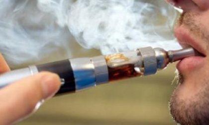 Scoppia sigaretta elettronica: 36enne ustionato a mano, gambe e genitali