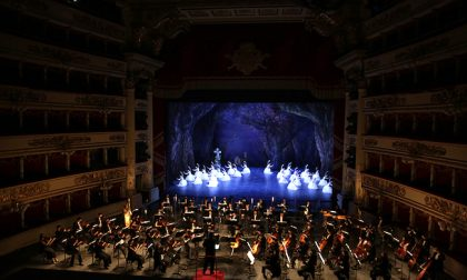 Il balletto torna sul palco della Scala e riabbraccia Carla Fracci
