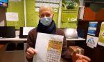 Il video del pensionato che gratta e vince 5 milioni nel Milanese e ringrazia i tabaccai