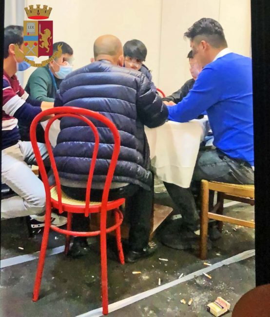 Bisca clandestina a Chinatown