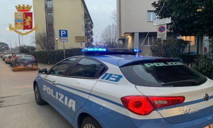 Fuga di gas in appartamento, la polizia salva nonna e nipotini