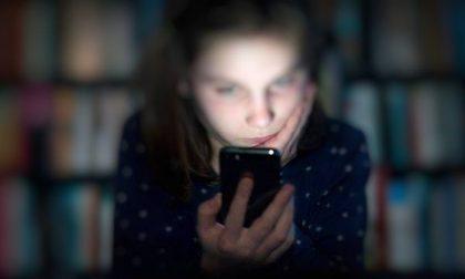 Abusa di tre ragazzine adescate sui social: condannato a 19 anni