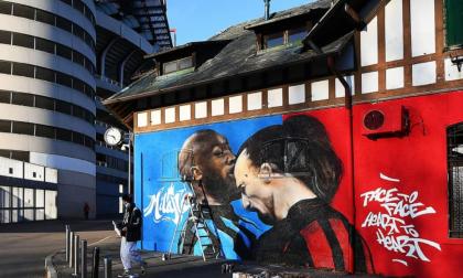 E' già clima Derby, lo scontro Ibra-Lukaku diventa un graffito