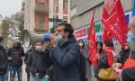 """Navigator davanti alla Prefettura di Milano: """"Cerchiamo lavoro agli altri e siamo abbandonati"""""""