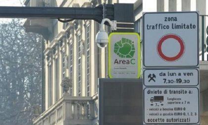 """Scontro su area C: """"Maggiori contagi sui mezzi pubblici"""""""