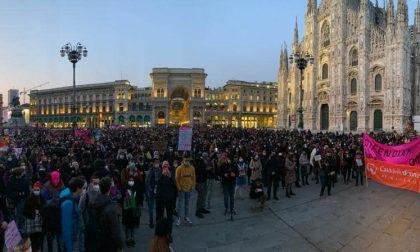 #Lottomarzo: in centinaia ieri in piazza Duomo a Milano contro la violenza sulle donne