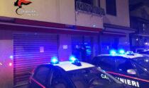 Dopo la chiusura serve alcolici: bar chiuso e sette clienti multati