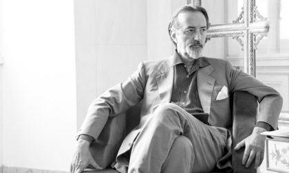 """La fotografia perde il suo """"principe"""": Giovanni Gastel vinto dal Covid a 65 anni"""