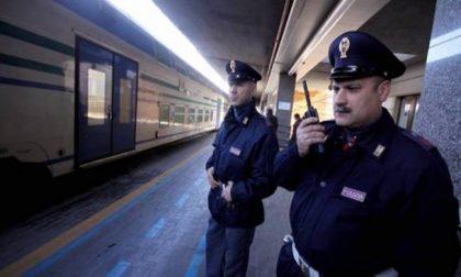 Quattordicenne scappa di casa, lo ritrovano gli agenti della Polfer su un treno