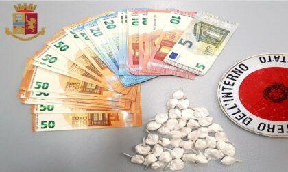 Droga e soldi nascosti in casa: arrestati due spacciatori