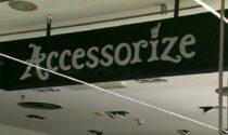 Accessorize chiude i negozi a Milano, 17 commesse rischiano il posto