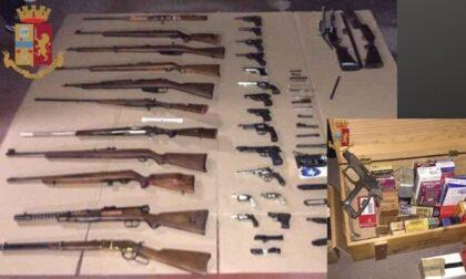 Un arsenale con più di 50 armi nascoste nel box: arrrestato
