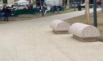 """Le panchine """"arrotondate"""" di piazza Piola sollevano polemiche"""
