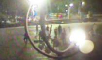 Aggredirono gruppo di giovani all'Arco della Pace, uno finì in coma: arrestati sei ragazzi