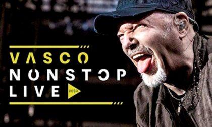 """Slittano al 2022 i concerti di Vasco Rossi: """"Ma il covid non ferma la mia musica"""""""
