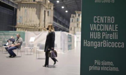 Aperto il nuovo hub vaccinale all'Hangar Bicocca, previste 4mila vaccinazioni al giorno