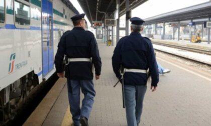 Poliziotto libero dal servizio fa arrestare tre ladri
