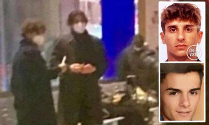 Stefano e Alessandro scomparsi nel nulla: non sono loro i due giovani immortalati in Stazione Centrale