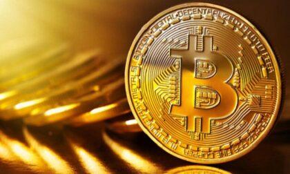 Truffa dei Bitcoin: preso 17enne ideatore della violenta rapina a un 46enne