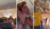 Il video della sclerata senza mascherina sul volo Ibiza - Milano