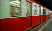 Metro rossa, circolazione sospesa per un suicidio