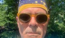 "Zangrillo, selfie all'aperto senza mascherina: ""Modalità per persone assennate"""