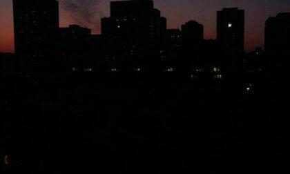Milano nella morsa del caldo: continuano blackout a raffica in tutta la città