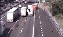 Grave incidente in Autostrada A4 con mezzi pesanti coinvolti: code in aumento