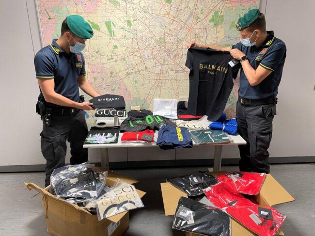 Vestiti griffati contraffatti sequestro
