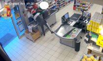 Rapina aggravata in supermercato alla Comasina: due arresti