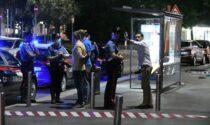 Preso a bastonate alla fermata del bus, spedizione punitiva ad Affori?