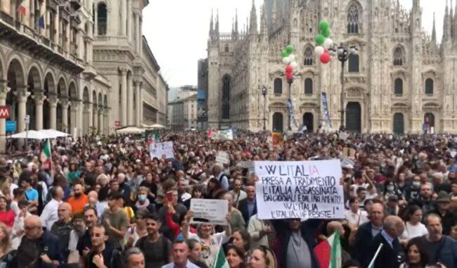 Manifestazioni No-Green pass a Milano, 41 denunce per il corteo non autorizzato