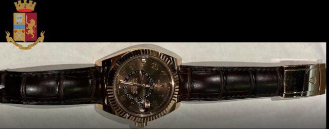 Rapinatori rubano orologio arrestati