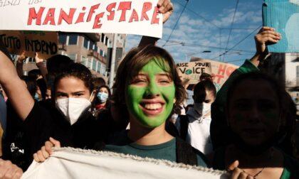 Corteo Greta a Milano: le voci, i sorrisi e la rabbia dei giovani