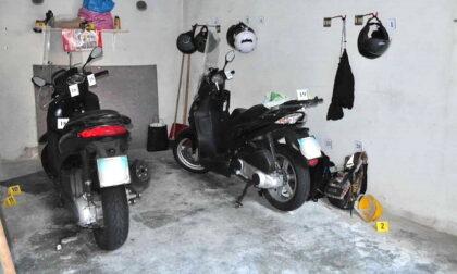 Rapinavano in scooter orologi di lusso il trucco dello specchietto: 2 arresti